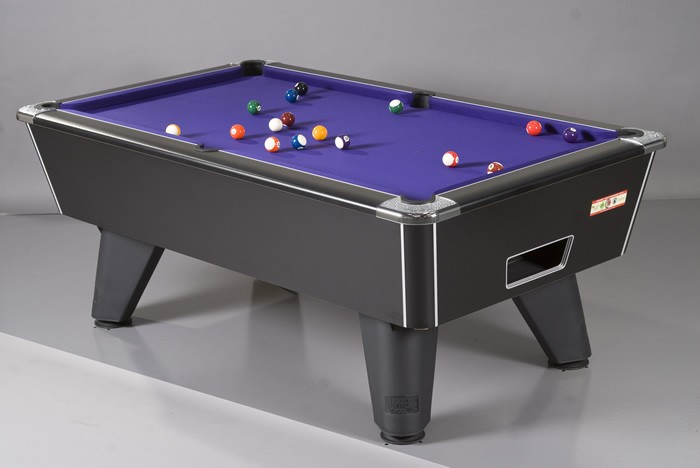 Winner Pool Table in Black Pearl Finish